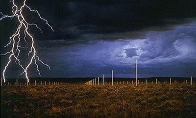 瓦尔特·德·玛利亚《闪电的原野》
