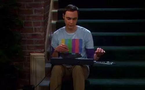谢耳朵在美剧《生活大爆炸》(S04E12)中演奏特雷门琴
