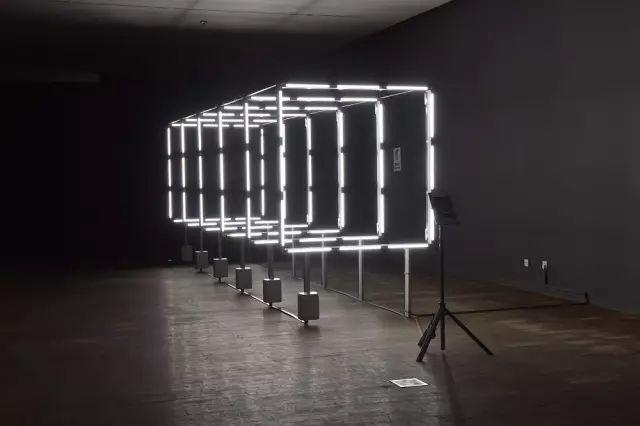 杨·奥拉瑞,塔菲克工作室 《72击》